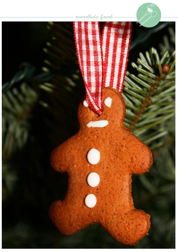 kerstkoekjes voor in de de kerstboom. Recept op www.moodkids.nl #kerst #bakken
