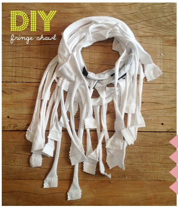 no sew #diy fringe shawl for #kids www.moodkids.nl