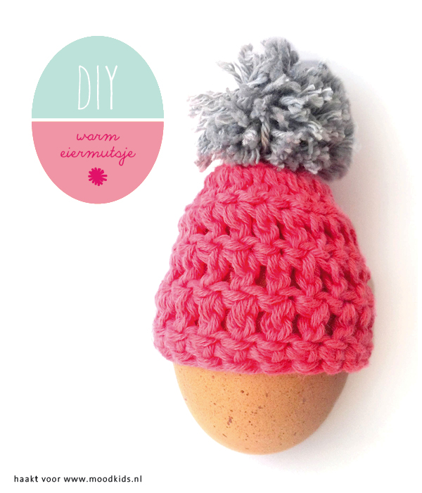 #DIY Create an adorable Easter Egg Hat with pompom #Crochet with this easy and free crochet pattern tutorial! www.moodkids.nl