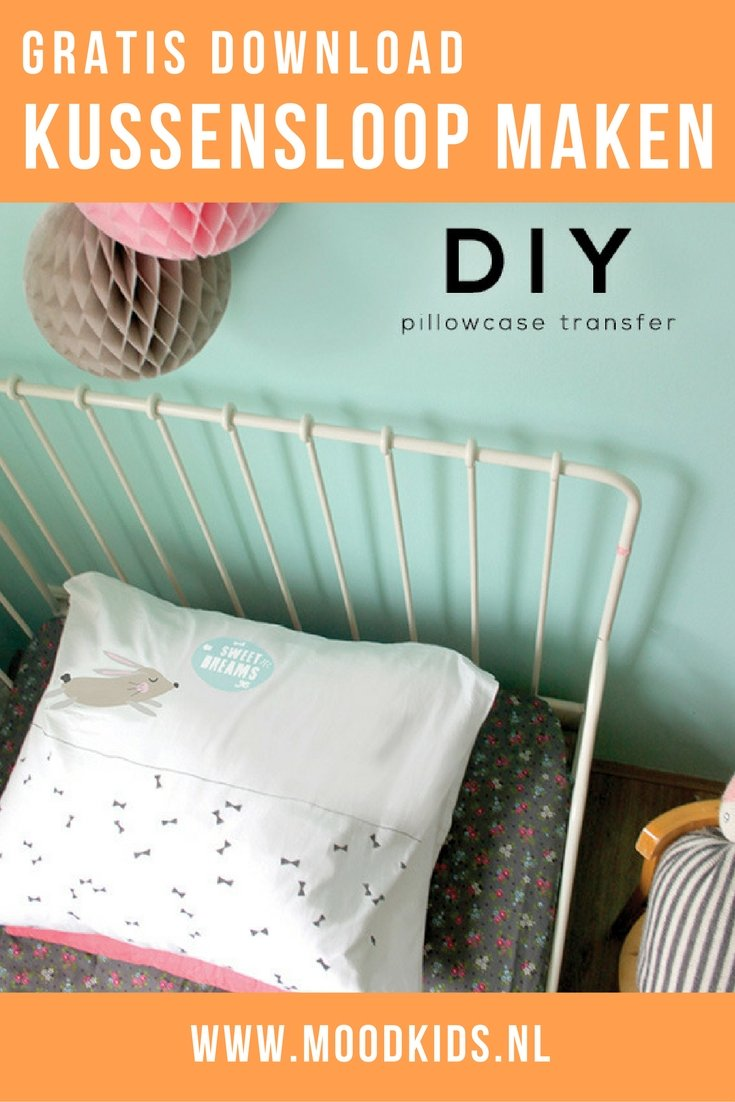 Deze schattige kussensloop zelf maken is heel makkelijk met deze gratis download en transferpapier. Lees hier hoe je het maakt.
