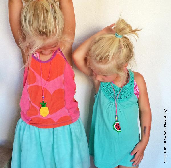 meisjes met strijkkralen