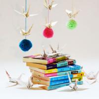 DIY kraanvogel-pompom-slinger