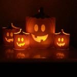 Pompoen van papier met gratis Halloween printables