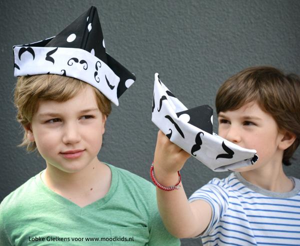 origami hoedje en boot van stof