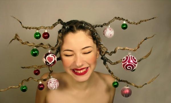 Kersthaar ballen in haar