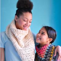 Warme sjaals voor Mali en Nika