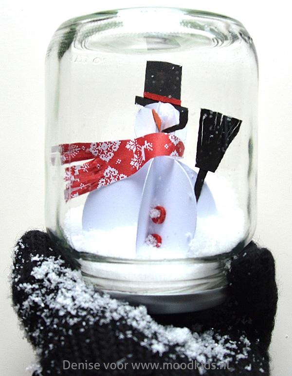sneeuwman in een potje