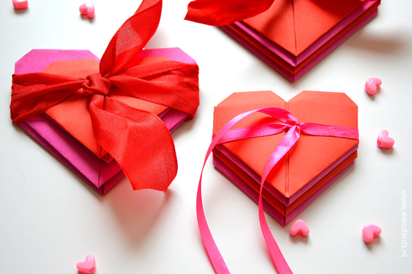 origami hartje vouwen