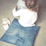 Zelf een kussen maken van oude jeans