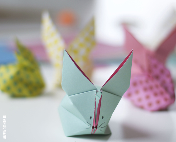 2 origami konijntjes vouwen