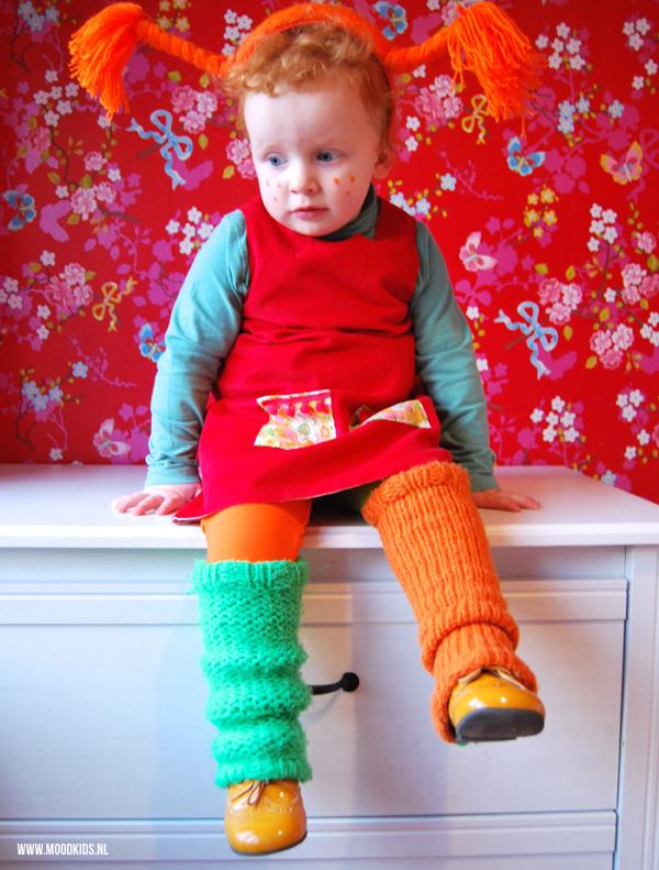 Lobke's dochter is fan van Pippi. Ja, dan kan een Pippi Langkous jurkje natuurlijk niet uitblijven. Lobke legt je uit hoe ze die maakte.