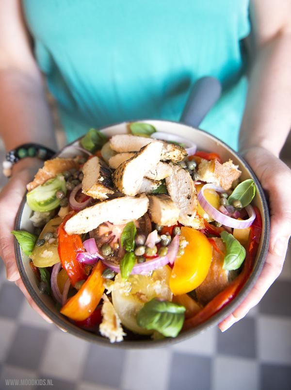 broodsalade moodkids, paprika-tomaat-broodsalade, tomatensalade, recept geroosterde paprika