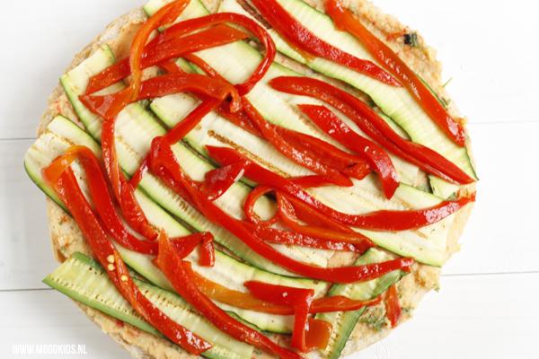 lunch idee met hummus en geroosterde groenten