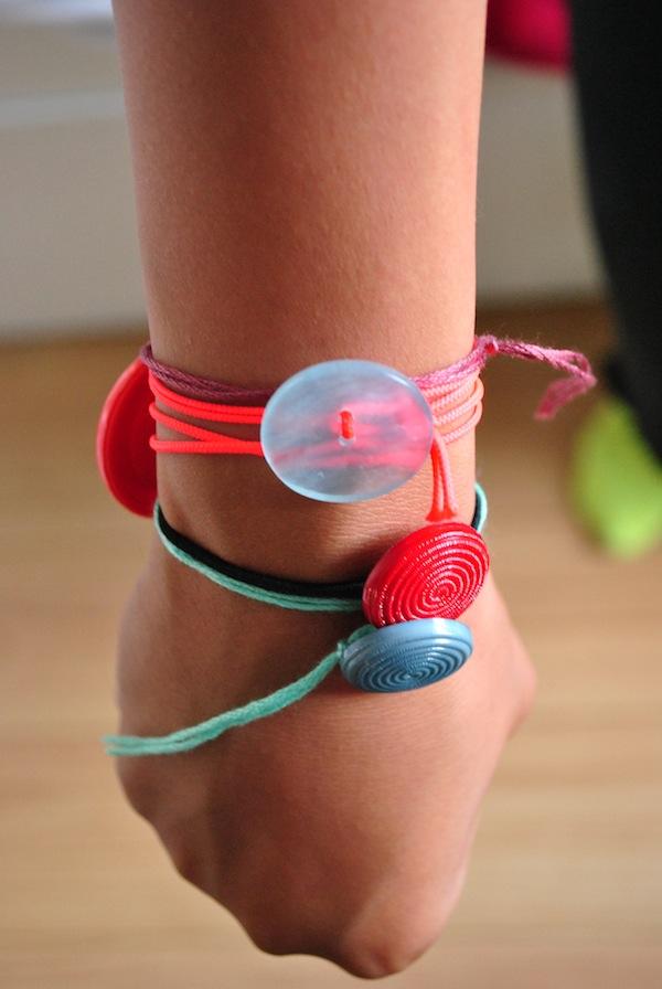 simple bracelets in just 1 minute