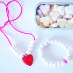 Hartjes sieraden maken voor een jarige