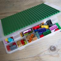 LEGO op de achterbank