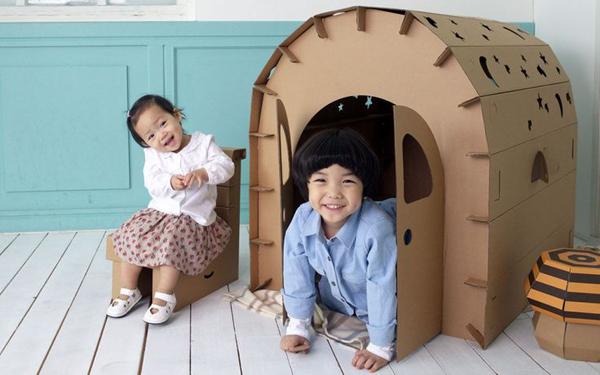 DIY met karton huisje sterrendak