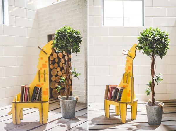 diy met karton boekenschap giraffe