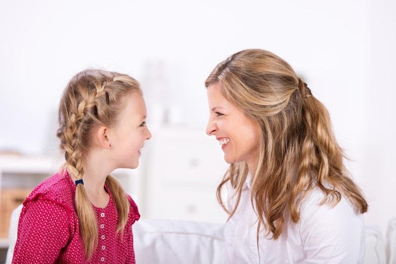 Sommige kinderen praten de oren van je hoofd. En soms kan écht praten met je kind best lastig zijn. Charlotte heeft leuke tips voor een goed gesprek. Lees ze op www.moodkids.nl