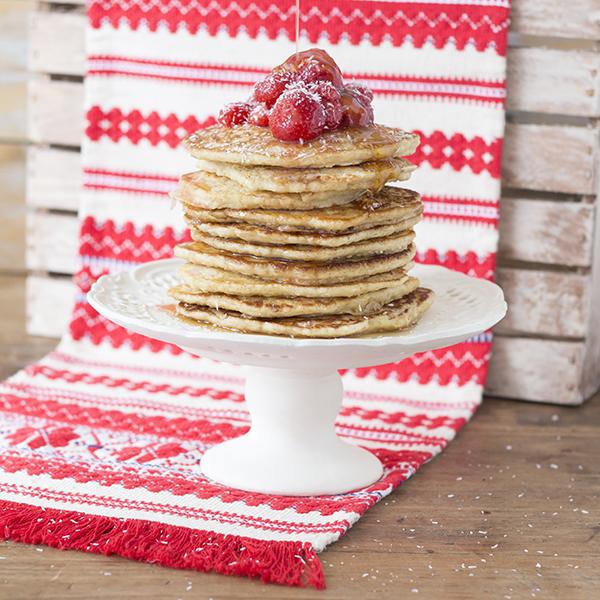 Havermoutpannekoeken met aardbeien uit het kookboek 'Mag ik nog een hapje' van Francesca van Berk. Bekijk het recept hier.