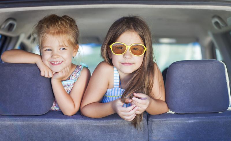 Irriteer jij je onderweg naar je vakantiebestemming aan 'het werk aan de weg'? Claertje denkt om en bedenkt verschillende spelletjes. Er is zoveel te zien.