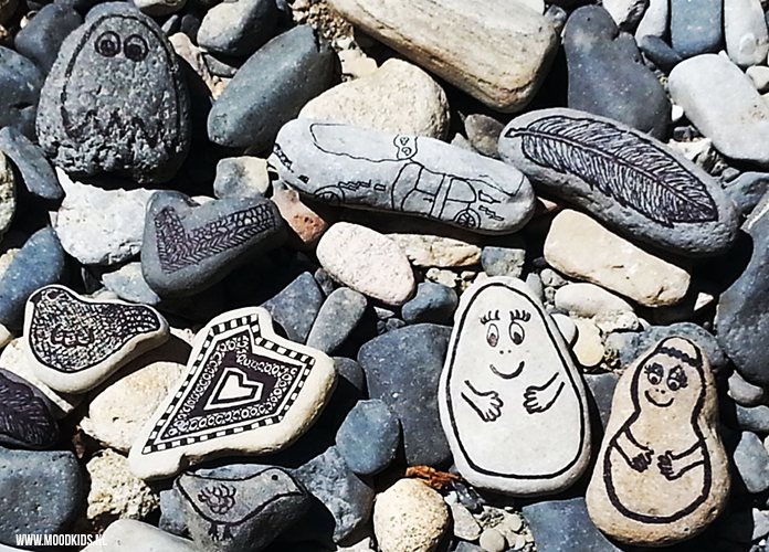 stenen versieren met een watervaste stift