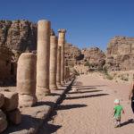 De oude stad Petra in Jordanië ontdekken met je peuter