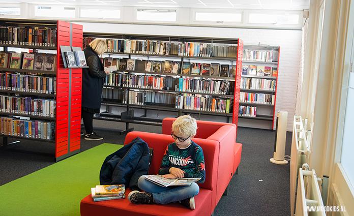 Dat je in de bibliotheek boeken kan lenen weet iedereen. Maar er is veel meer te doen! Lees hier welke activiteiten bibliotheek er nog meer zijn.