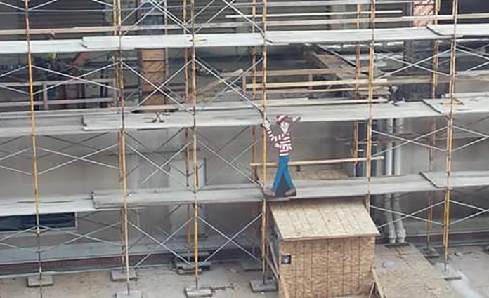 Ben jij ook fan van de 'Waar is Wally?'-boeken? Deze bouwvakker uit de VS maakte een echte Waar is Wally zoektocht!