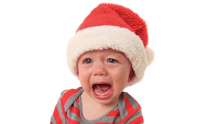 Heerlijk lang tafelen met kerst is met kinderen vaak lastiger. Lees onze handige tips waarmee je drama aan de kersttafel voorkomt en het gezellig blijft!