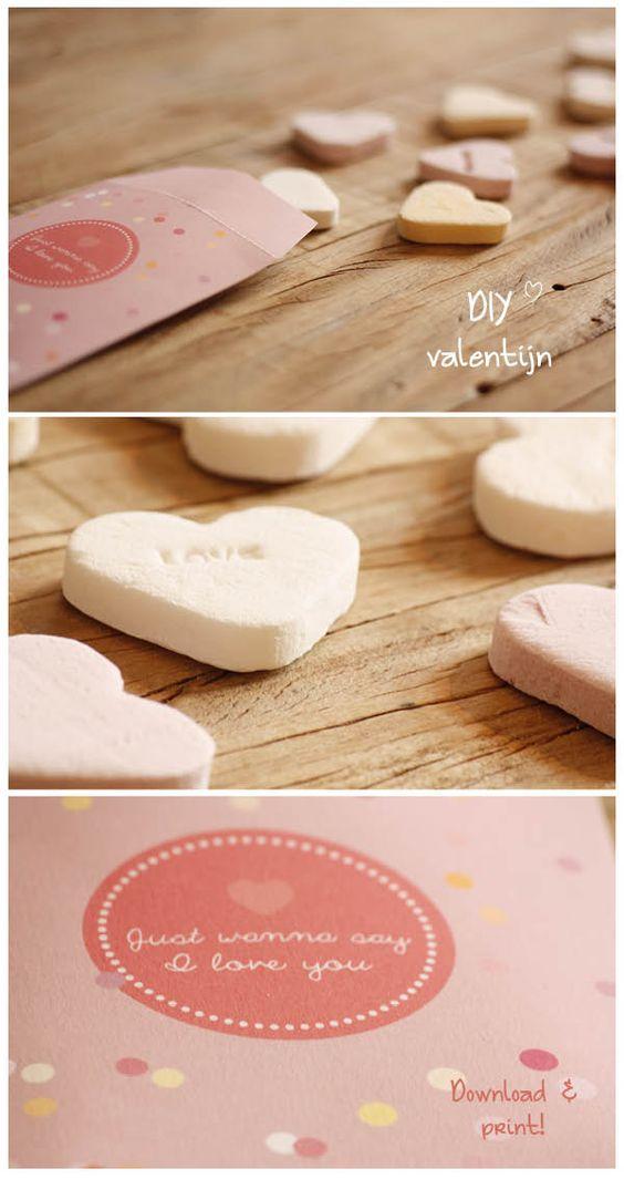 Valentijnsdag is de dag om iemand te vertellen hoe bijzonder hij is. Dit schattige kleine cadeauzakje Valentijnsdag kun je hier gratis downloaden.
