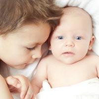Herkenbare peuter vs. baby momenten