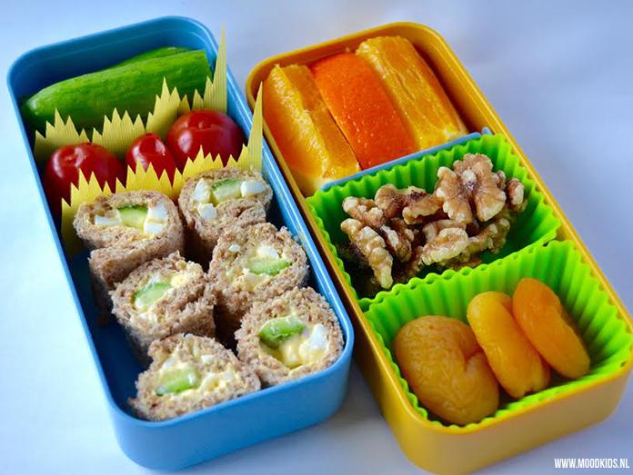 Een lunchtrommel met een oer-Hollands thema: de boterham. Roppongi maakte voor ons 3 gevarieerde lunchtrommels met boterhammen. De basis is 3x hetzelfde, de uitvoering anders. Lees hier hoe je de broodtrommels maakt. #dutchbento