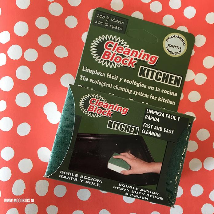Oven schoonmaken met Cleaning Block Kitchen werkt super makkelijk. Verkrijgbaar bij de webshop van Schoon Epe.