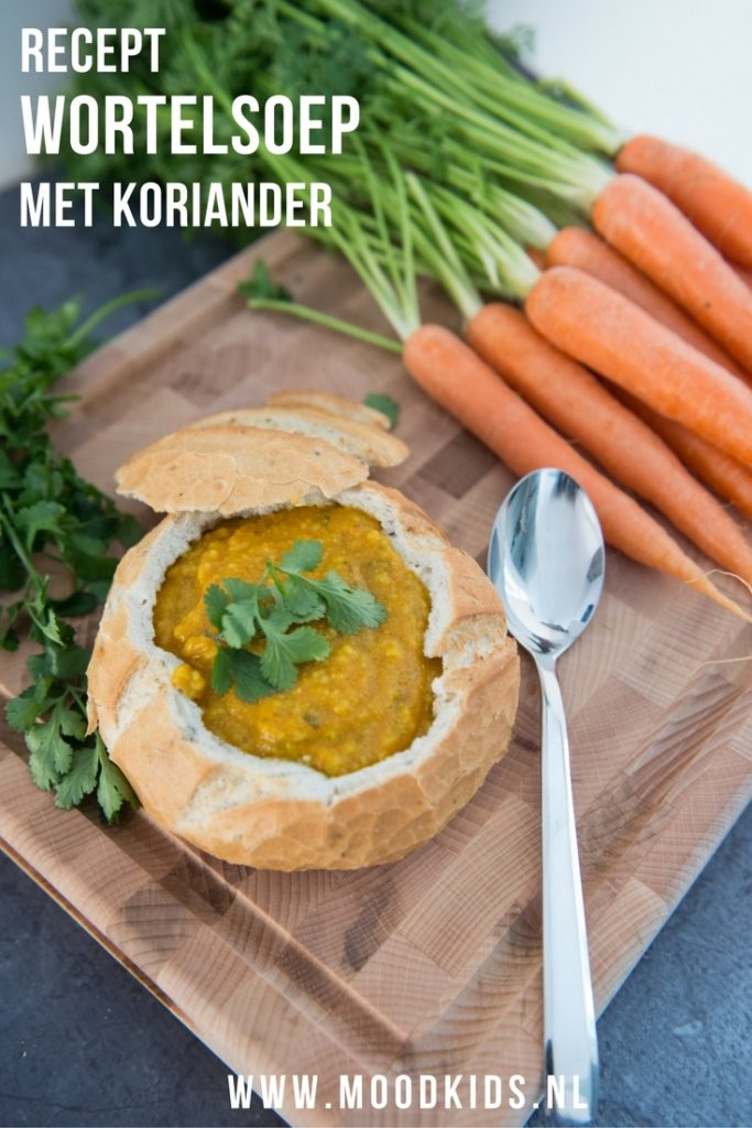 Dit recept voor wortelsoep met koriander is door het toevoegen van couscous prima geschikt als maaltijdsoep. Serveer het met brood of in een Italiaanse bol. Je vindt het recept hier.