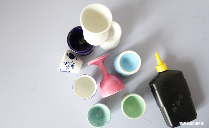 Van (oude) eierdopjes maak je in no-time een leuke kandelaar of vaas voor bijvoorbeeld Pasen. Suzanne legt je stap voor stap uit hoe je het maakt. Eitje!