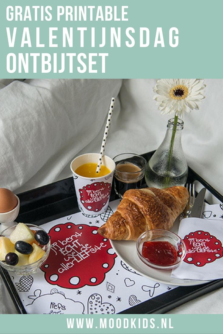 Verras jij je lief op Valentijnsdag met een ontbijtje? Roelina ontwierp een gratis Valentijnsdag ontbijtset, die je hier gratis kunt downloaden.