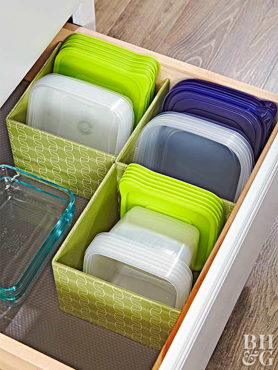 10 handige manieren om je plastic bakjes op te ruimen van Better homes and Gardens