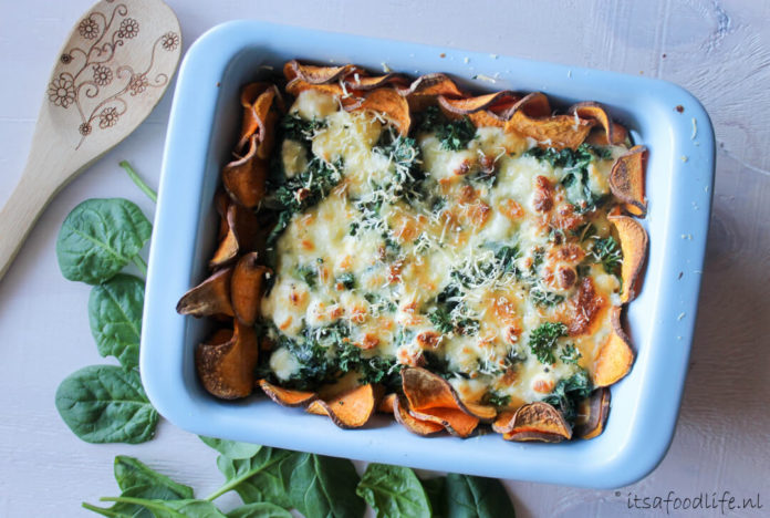 Hartige taart van zoete aardappel en spinazie van It's a Foodlife
