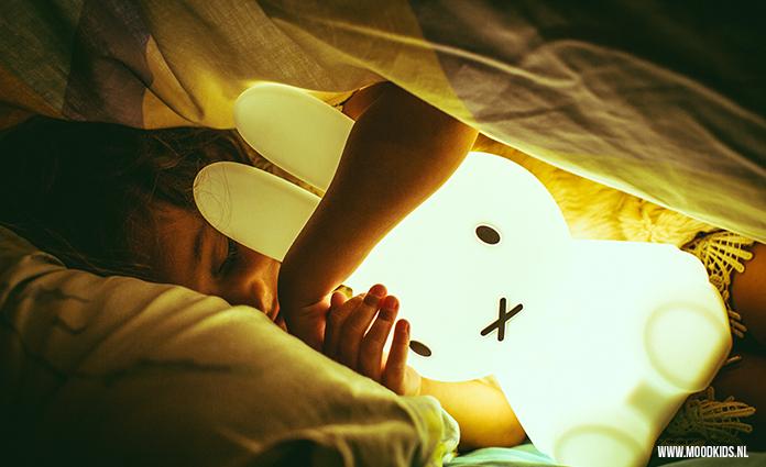 Baby Lampen Nl : Kleine nijntje lamp die je wel mee kunt nemen moodkids