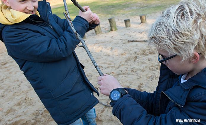 De Wanderwatch is een smartwatch die een horloge, interactief buitenspelen, communiceren en GPS in één combineert. Lees onze review!