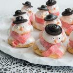 Een sneeuwpop maken van soesjes