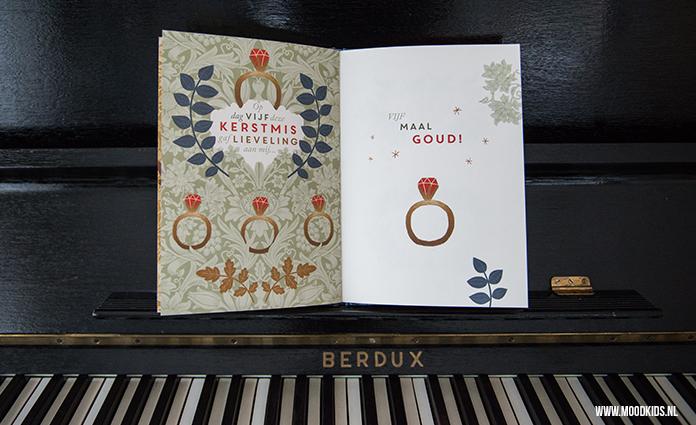 Houd jij ook zo van de sfeer van kerst? Dan mag het boek de twaalf dagen met kerstmis niet in je kerstcollectie missen. Lees hier onze review.