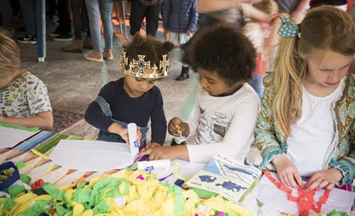 Ieder jaar verschijnen er veel nieuwe kinderboeken, die zich afspelen in spannende, grappige, interessante of geheimzinnige werelden. 18 van deze mooie kinderboeken komen tot leven tijdens de tweede editie van Het Mooie Kinderboekenfestival in Amsterdam op zondag 27 mei 2018.