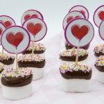 Lieve marshmallows met chocolade en sprinkles