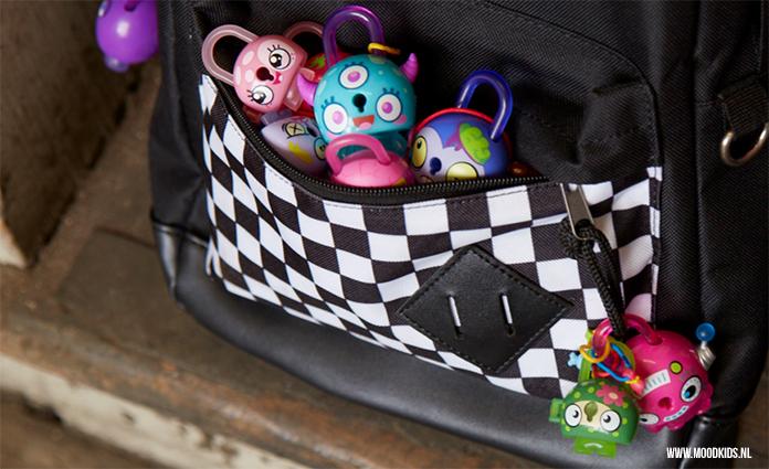 De nieuwe Lock Stars van Hasbro spelen in op de speelgoed verzameltrend, die zich ook in 2018 heeft voortgezet. We kregen van Hasbro een exemplaar opgestuurd. Job en Sophie hebben hem getest, vertellen je wat ze ervan vinden en laten je zien wat je ermee kan! Vanaf juni 2018 verkrijgbaar.