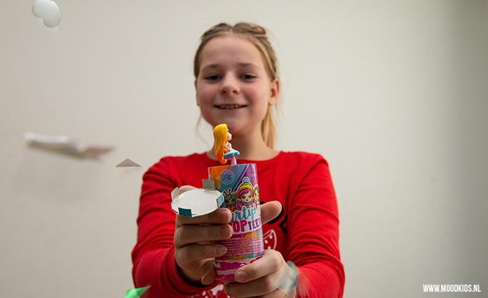 Party Popteenies zijn de nieuwe verzameltrend onder kinderen. Je verzameling popt letterlijk eruit. Sophie (10) laat ons zien hoe het werkt.