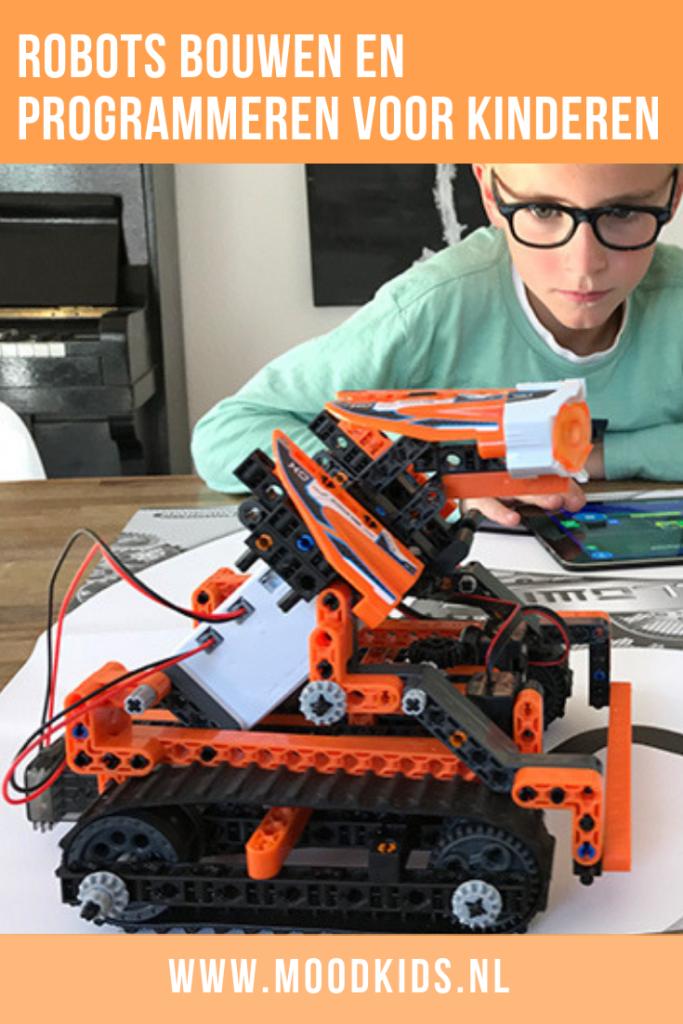 Robotica is hot voor kinderen.: voor jongens én meisjes. Wij hebben de Robomaker uit de Coding Lab collectie van Clementoni getest. Lees wat mijn zoon van 10 jaar er van vond. #speelgoed #robotica