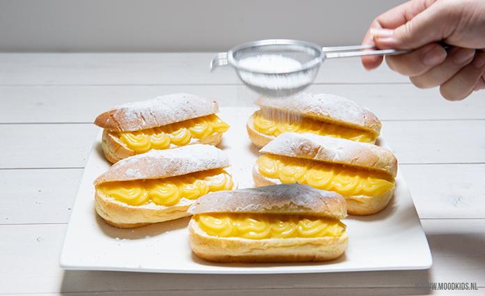 Puddingbroodjes, de meeste kinderen zijn er dol op. Leuk en lekker om te trakteren. Je hebt zo een hele berg gemaakt! Kleine moeite, groots effect!