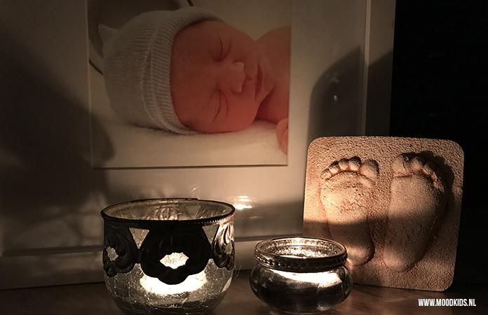 Op 15 oktober 19:00 uur (lokaal) worden wereldwijd kaarsjes aangestoken voor de kindjes die tijdens de zwangerschap of (kort) na de geboorte zijn overleden.
